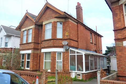3 bedroom flat to rent - Richmond Wood Road, Charminster, Bournemouth