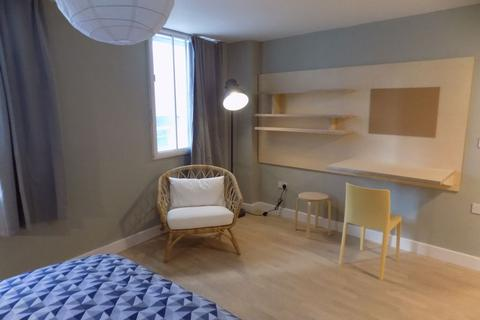1 bedroom flat to rent - Luxury En-Suite Rooms For Students 2020