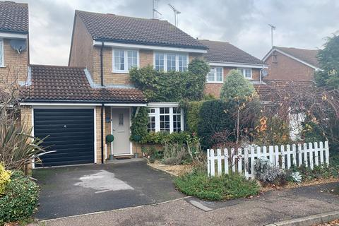 3 bedroom detached house for sale - Martingale Drive, Springfield, Chelmsford, CM1