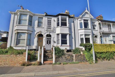 3 bedroom terraced house to rent - Cliff Parade, Leigh-on-Sea, Essex