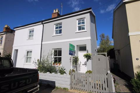 3 bedroom semi-detached house for sale - Moorend Crescent, Leckhampton, Cheltenham, GL53