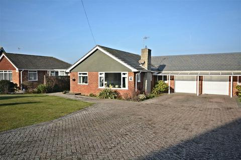 3 bedroom detached bungalow for sale - Alford Way, Bexhill-On-Sea