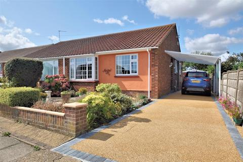 2 bedroom semi-detached bungalow for sale - Columbia Avenue, Whitstable