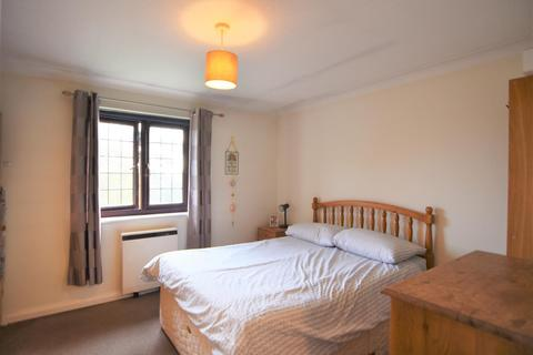 1 bedroom flat to rent - Rushmon Court, Hook Road, Surbiton