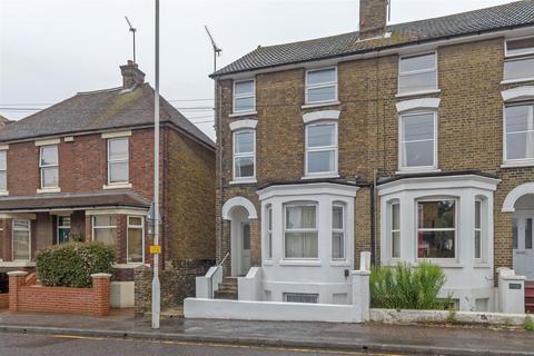 1 bedroom flat to rent - Park Road, Sittingbourne