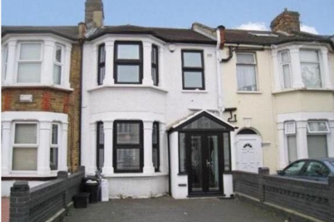 4 bedroom terraced house to rent - Auckland Road, Ilford, Essex, IG1