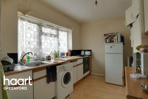 3 bedroom flat for sale - Southall