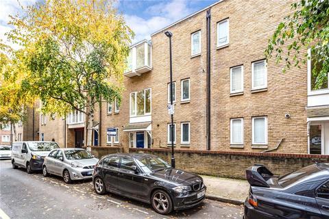 2 bedroom maisonette to rent - Princelet Street, London, E1