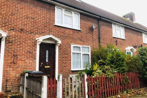 3 bedroom terraced house to rent - Woodward Road, dagenham  RM9