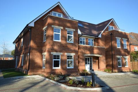 2 bedroom apartment to rent - Crossways, St Marks Road, Binfield RG42