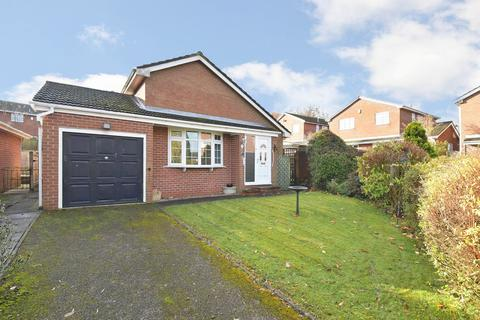 2 bedroom detached bungalow for sale - Kingfisher Crescent, Fulford, ST11 9QE