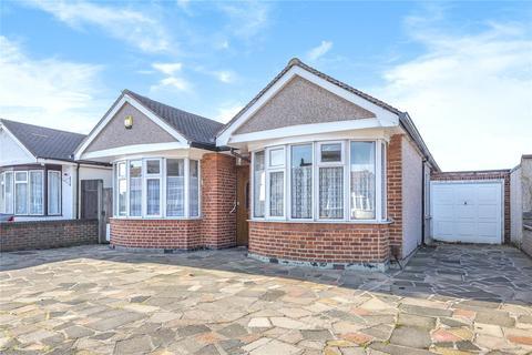 3 bedroom bungalow for sale - Sunnydene Avenue, Ruislip, Middlesex, HA4