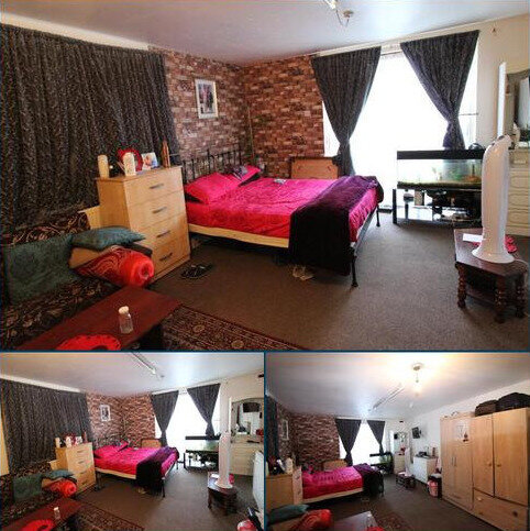 Studio to rent - Goodmayes Lane, Ilford IG3