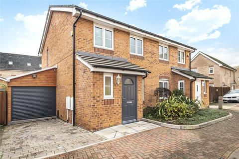 3 bedroom semi-detached house for sale - Nine Acres Close, Hayes, Middlesex, UB3