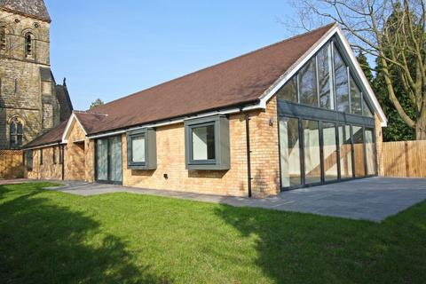 3 bedroom detached bungalow to rent - Ideally Located to Village Shops