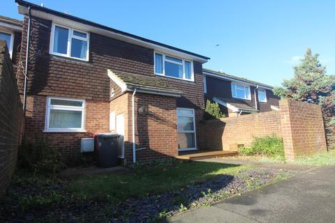 2 bedroom apartment to rent - Emmer Green Court, Reading