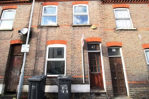 3 bedroom terraced house to rent - STRATHMORE AVENUE, Town Centre