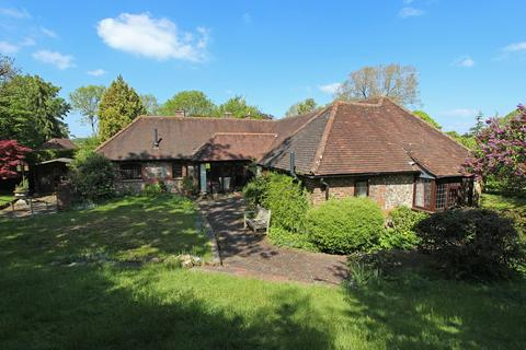 3 bedroom barn conversion for sale - Chipstead