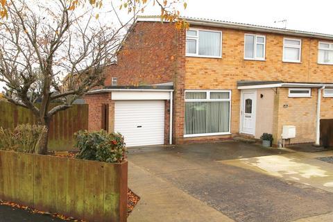 3 bedroom semi-detached house for sale - Highfield Avenue, Driffield