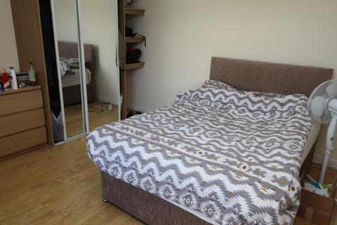 2 bedroom house to rent - North Road, ,