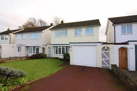 3 bedroom detached house for sale - Balfont Close, Sanderstead, Surrey