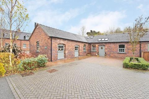 3 bedroom barn conversion for sale - 4 Mill Farm Barn, Mill Street, Stone