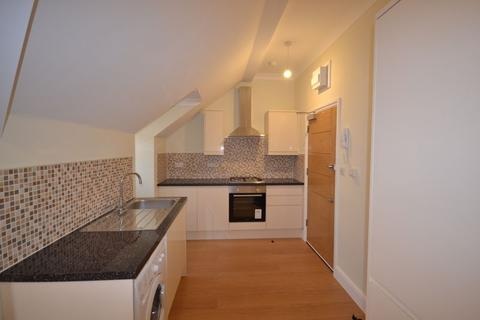 1 bedroom apartment to rent - One Bedroom Second Floor Flat to Let, Church Hill Rd, E17 (£1,325pcm)
