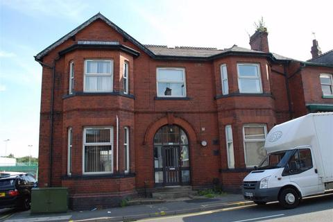 1 bedroom in a house share to rent - Townley Street, Middleton, Manchester