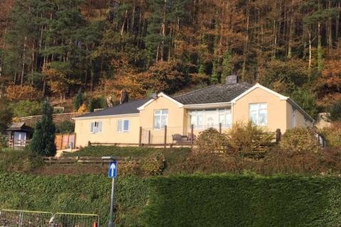 3 bedroom bungalow for sale - Tawelfryn, Dolgellau, Gwynedd, LL40