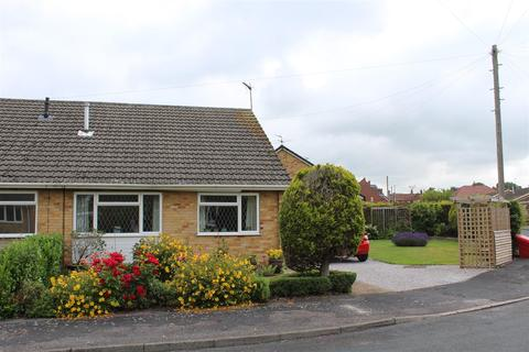 3 bedroom bungalow to rent - Skelton Crescent, Market Weighton, York
