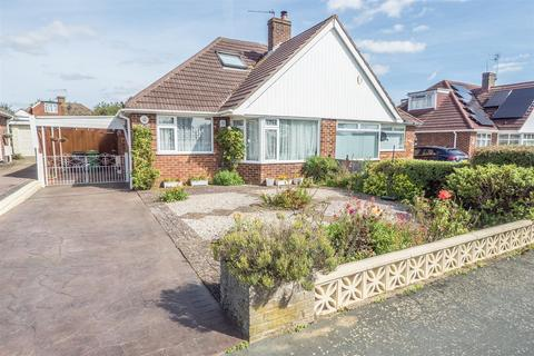 2 bedroom bungalow for sale - Bramley Crescent, Bearsted, Maidstone