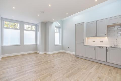 2 bedroom apartment for sale - Whitehall Gardens , Acton, London, W3
