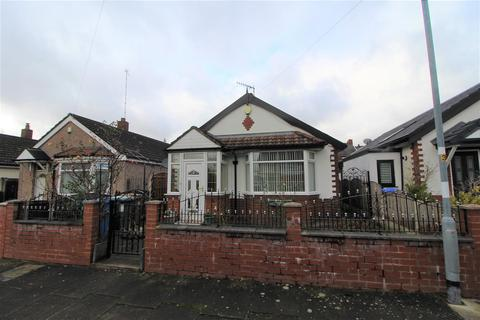 2 bedroom detached bungalow for sale - Bamford Avenue, Middleton, Manchester