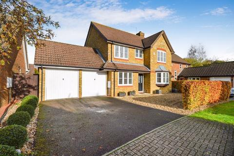 4 bedroom detached house for sale - Wendover