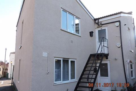 3 bedroom flat to rent - Oak Road,. Horfield
