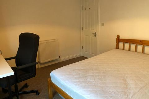 6 bedroom terraced house to rent - 35 Trevor Road