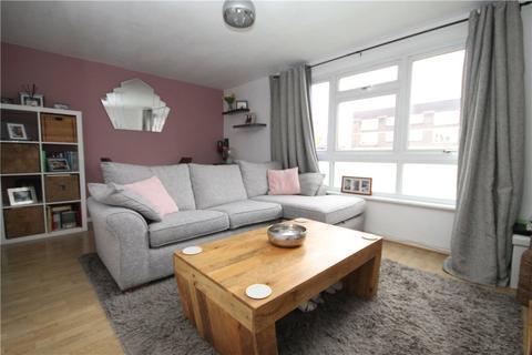 1 bedroom apartment for sale - Southam House, Addlestone Park, Addlestone, Surrey, KT15