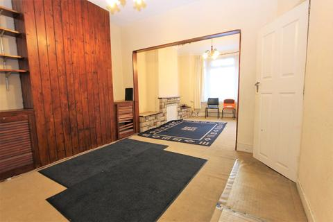 3 bedroom house for sale - Croyland Road, London, N9