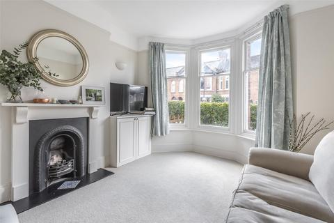 2 bedroom maisonette for sale - Glenfield Road, LONDON, SW12