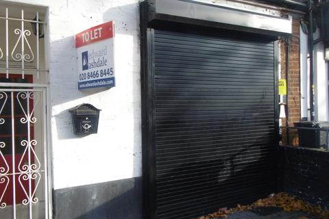 Shop to rent - Grove Park, South-East London