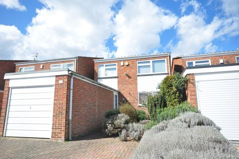 4 bedroom detached house to rent - Knoll Road Bexley DA5
