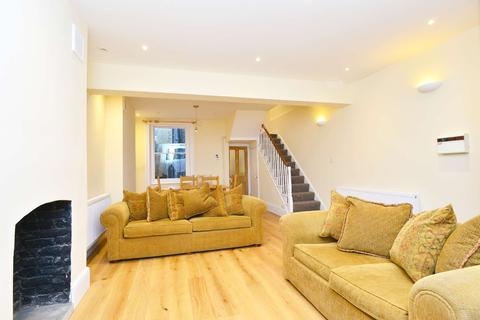 4 bedroom terraced house to rent - Chatham Street, Elephant and Castle, London