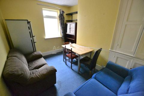 4 bedroom house to rent - Crescent Road, Reading