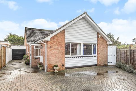 3 bedroom detached bungalow for sale - St Thomas Drive, Pagham, Bognor Regis, PO21