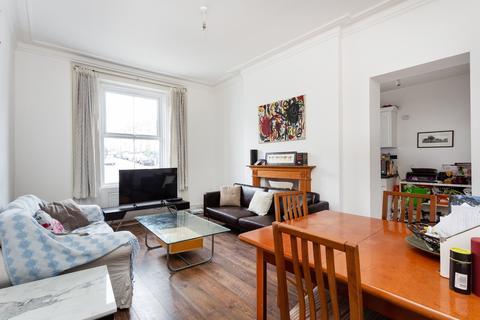 3 bedroom flat to rent - Wandsworth Road, Clapham, SW8