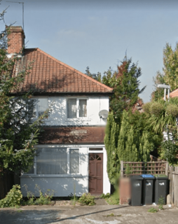 3 bedroom semi-detached house to rent - Enfield