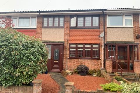 3 bedroom terraced house for sale - Great Cullings, Rush Green, Romford RM7