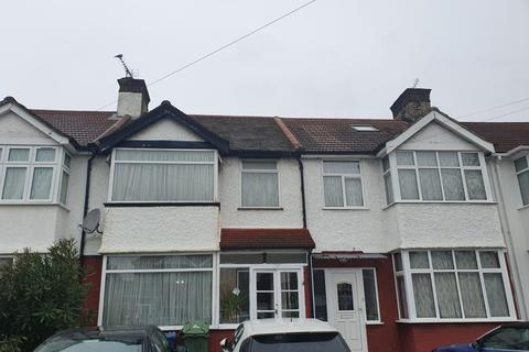3 bedroom house for sale - Charlton Road, Stanmore, HA3