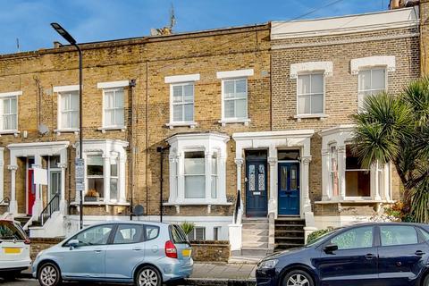 2 bedroom flat for sale - Mountgrove Road, London, N5
