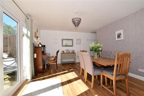4 bedroom end of terrace house for sale - Punch Croft, New Ash Green, Longfield, Kent